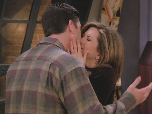Friends | 215 | Woah Ross' hands are on Rachel's butt